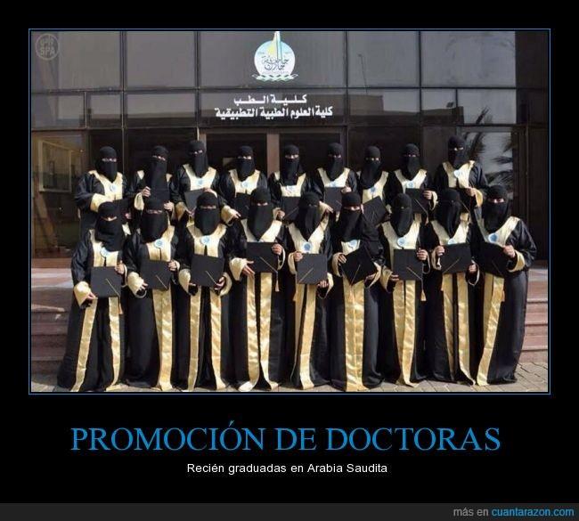 arabia,clase,doctora,foto,graduacion,graduadas,graduar,grupal,medico,promocion,saudi