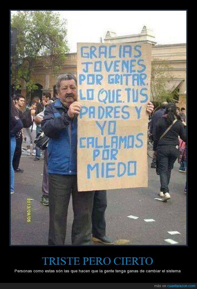 edad,gritar,joven,manifestacion,mayor,miedo,padre,politica