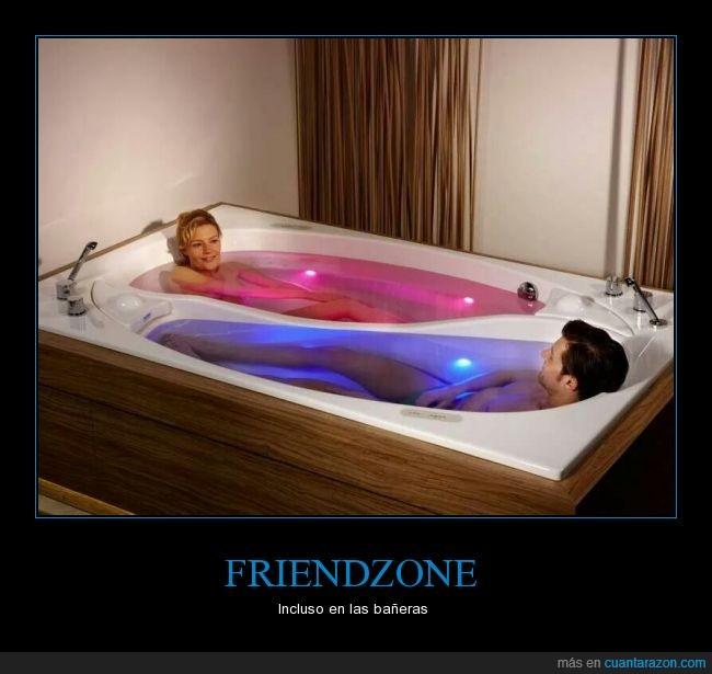 agua,amigos,bañera,friendzone