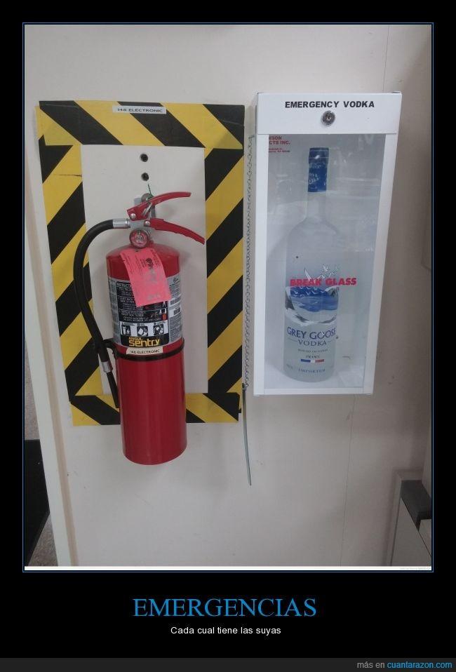 abrir,beber,borracherra,cristal,emergencia,extintor,vodka