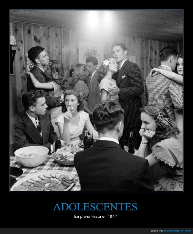 adolescentes,bailar,chicas,chicos,fiesta,galletas,hablar,niñas,niños,trajeado,tranquilo