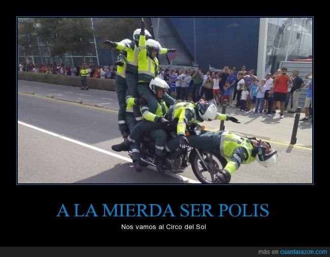 acrobacia,circo,encima,figura,lol,moto,policía,polis,sol