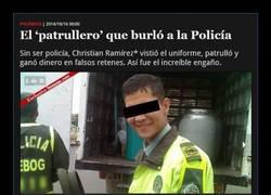 Enlace a FINGE SER POLICÍA