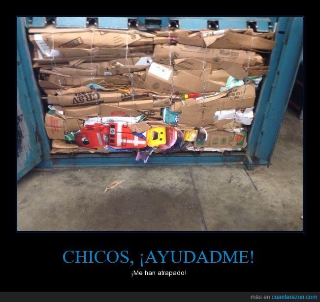apisonadora (?),basura,cartón,dibujo,juguete,lego,papel,reciclar