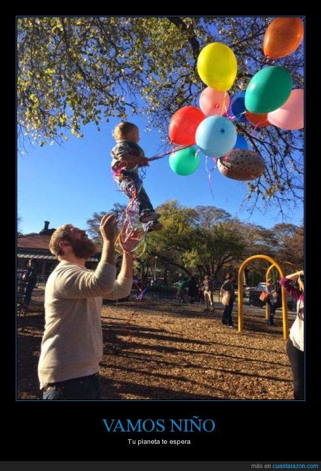 atado,aventar,cargar,globos,humor,juegos infantiles,levantar,necesita,niño,padres,planeta