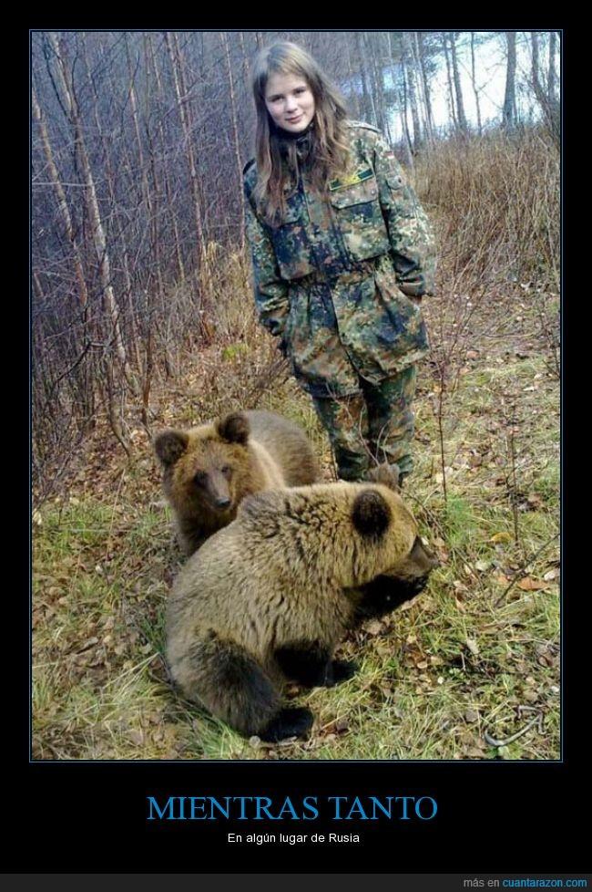 bosque,cachorro,lobezno,militar,niña,oso,rusa,rusia,rusos