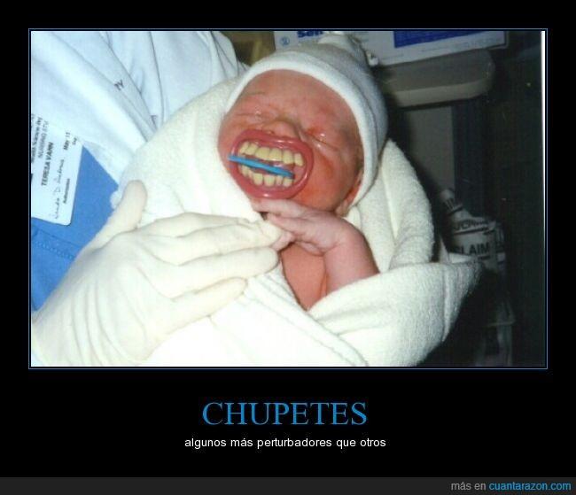 bebé,boca,broma,chupetes,dientes,miedo,niño,pequeño