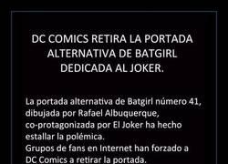 Enlace a DC Comics retira la portada de Batgirl dedicada al Joker por apología a la violencia de género