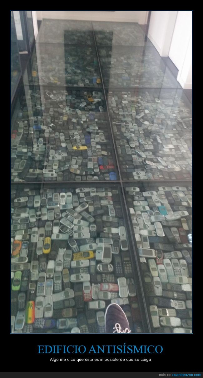 aguantar,antisismico,imposible,Nokia,resiste lo que sea,suelo,terremoto,tirar