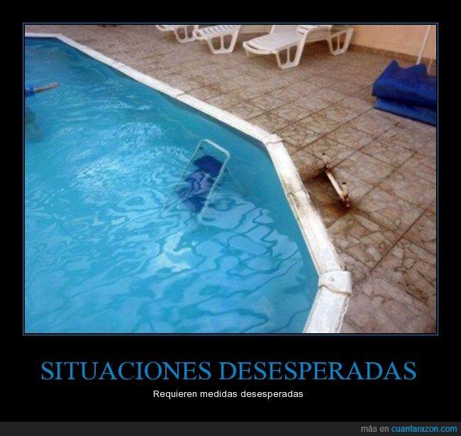agua,cutre,debajo,escalera,piscina,rota,salir