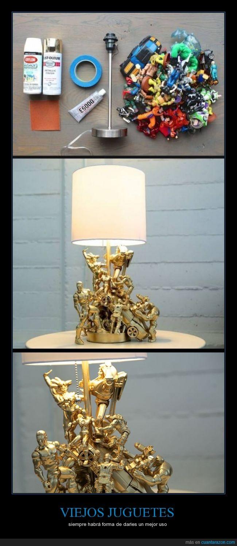 figura,juguetes,lampara,luz,muñeco,oro,viejos