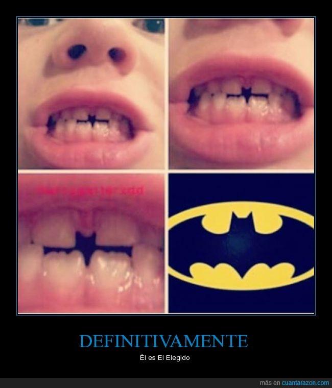 batman,dentadura,dientes,mmm y sus padres?,nananana,niño,separado