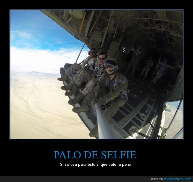 avion,desierto,ejercito,encima,esquipacion,fotografia,gafas,palo,selfie,soldado,stick