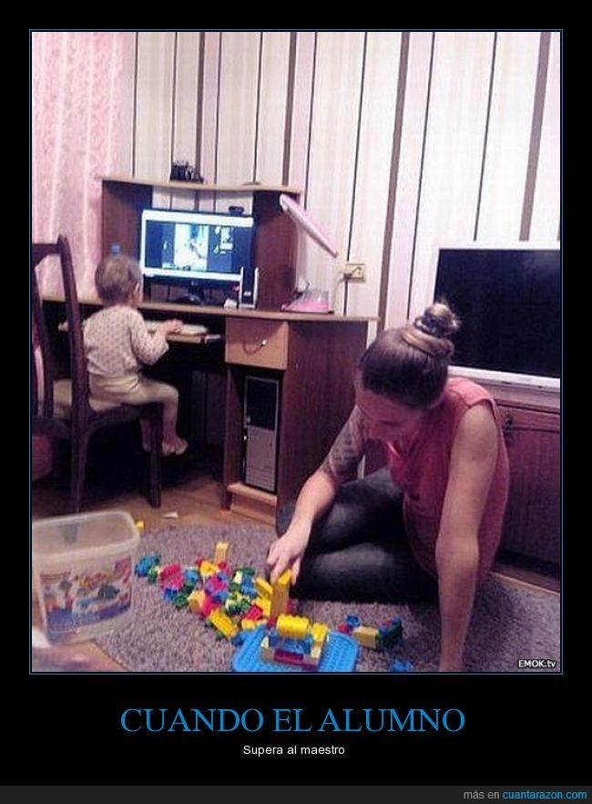 bloques,hijo,juegos de antaño,lego,Madres,Mamá,niños,nuevas generaciones,ordenador,pc