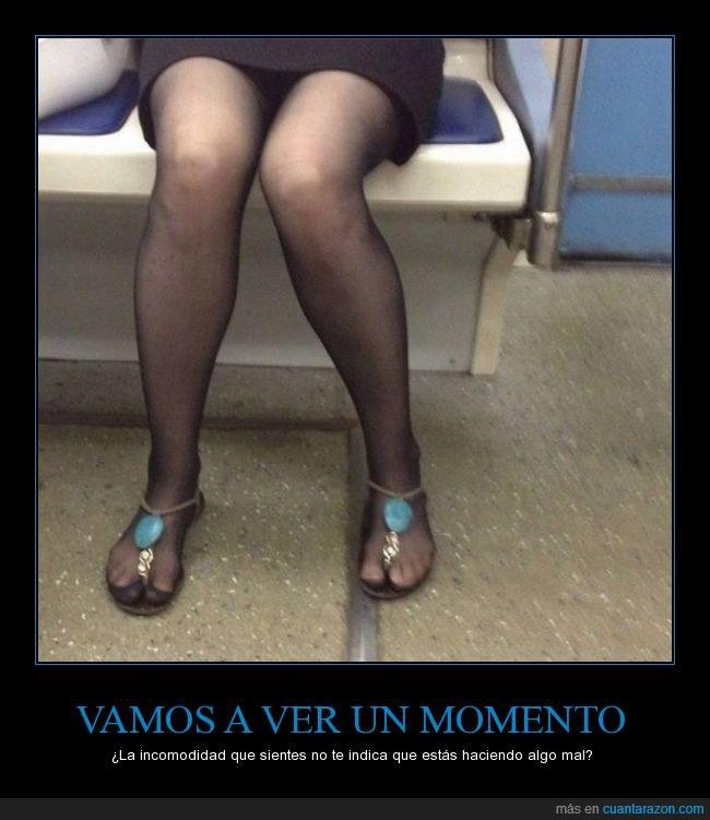 chancla,dedo,fliflop,hueco,medias,metro,sandalia,zapatillas,zapato