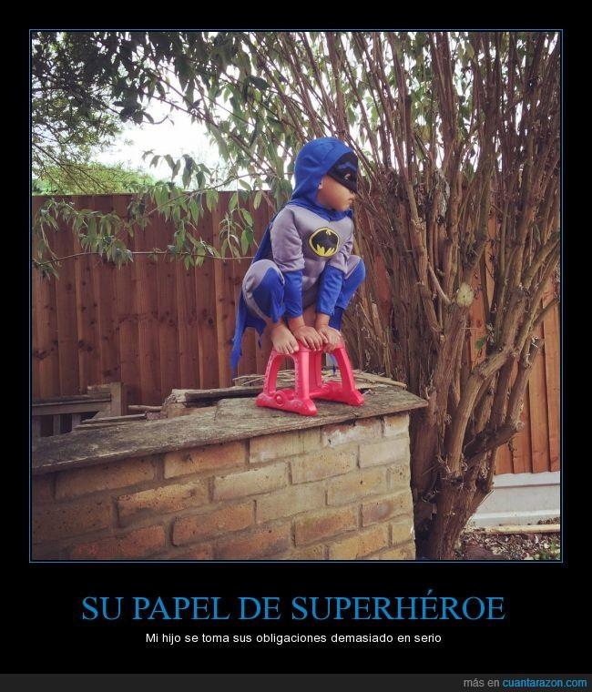 Batman,cosplay,disfraz,juego,niño,posición un poco spidermaniesca