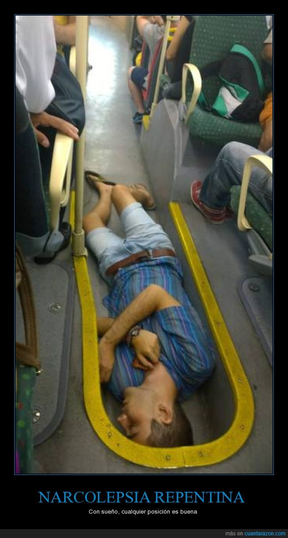 autobus,borrachera,borracho,caer,chico,dormir,hueco,narcolepsia,posicion,wtf