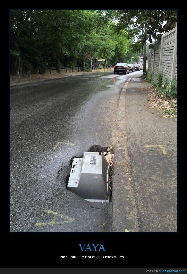 asfalto,bache,basura,caer,carretera,monitor,televisión,Tv