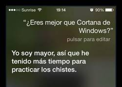 Enlace a SIRI VS CORTANA