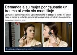 Enlace a Demanda a su mujer por causarle un trauma al verla sin maquillaje