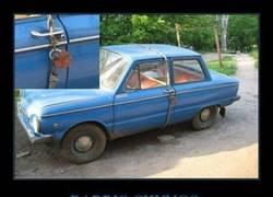 Enlace a Así protegen su coche los rusos