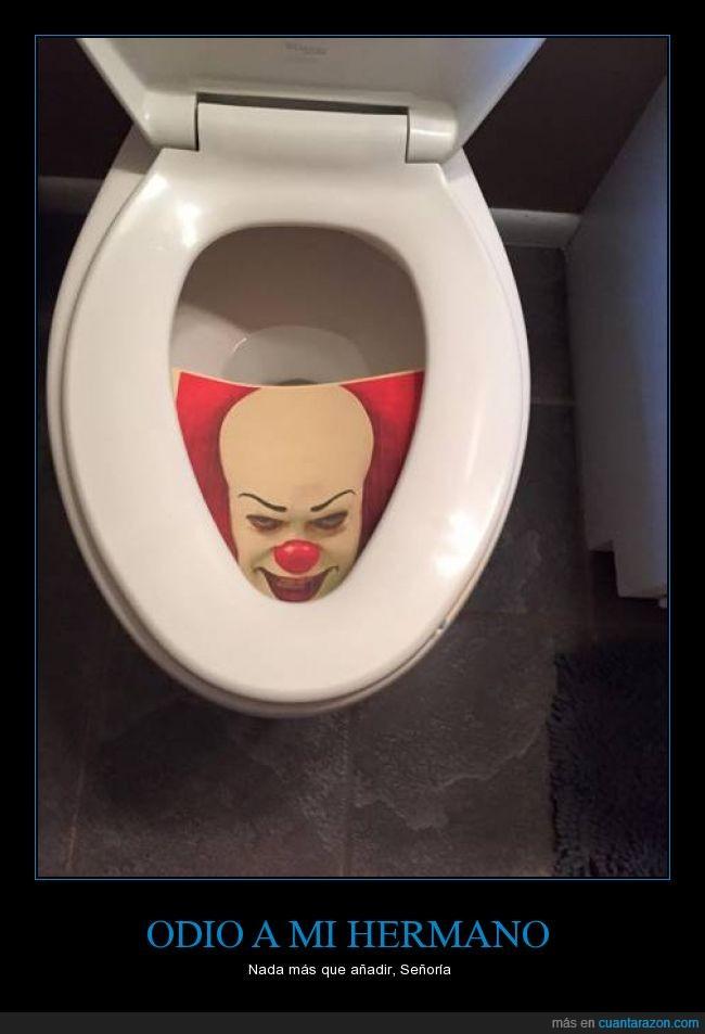 baño,broma,foto,hermano,it,lavabo,payaso,Pennywise,tapa,taza,troll