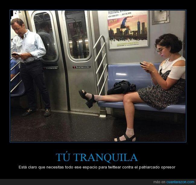 abuso,asiento,Chica,dejar,metro,molestar,ocupar,sentar,subterráneo,tren