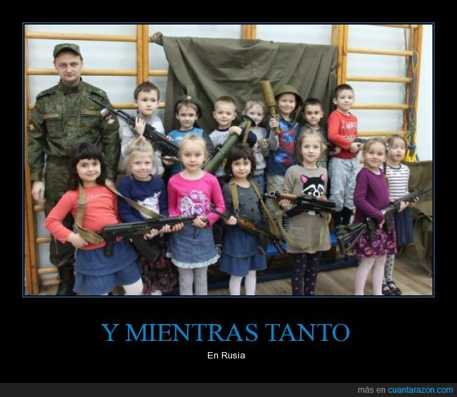 ak47,clase,colegio,escolar,escuela,kalashnikov,niñas,niños,pistola,rusia