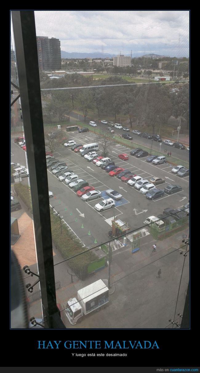 aparcar,coche,desalmado,malvado,minuvalido,movilidad reducida,ocupar,plaza