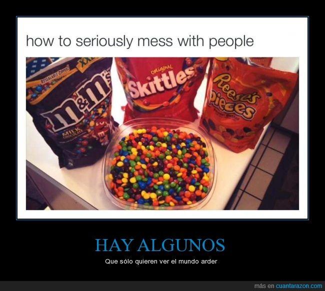 caramelo,chocolate,confusión,dulce,M&Ms,maldad,mantequilla de cacahuete,mezclar,Reeses Pieces,Skittles