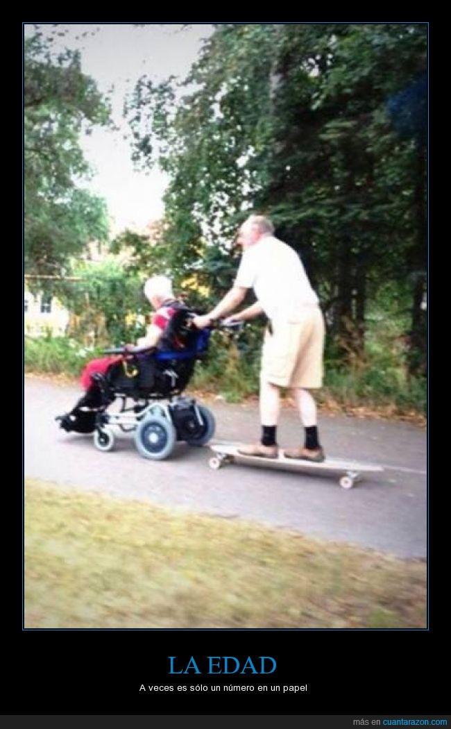 arrastrar,edad,llevar,longboard,mayor,motor,patin,remolque,señor,señora,silla de ruedas,skate