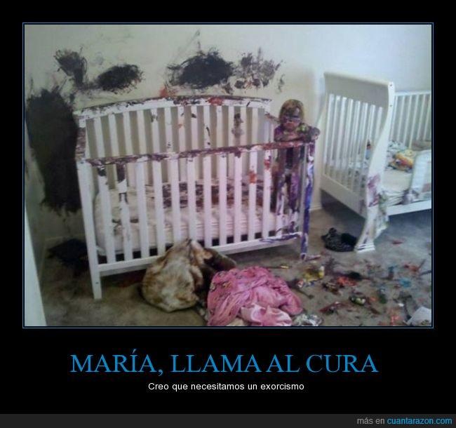 bebé,cuna,desastre,exorcista,mancha,Niño,tinta,travesuras
