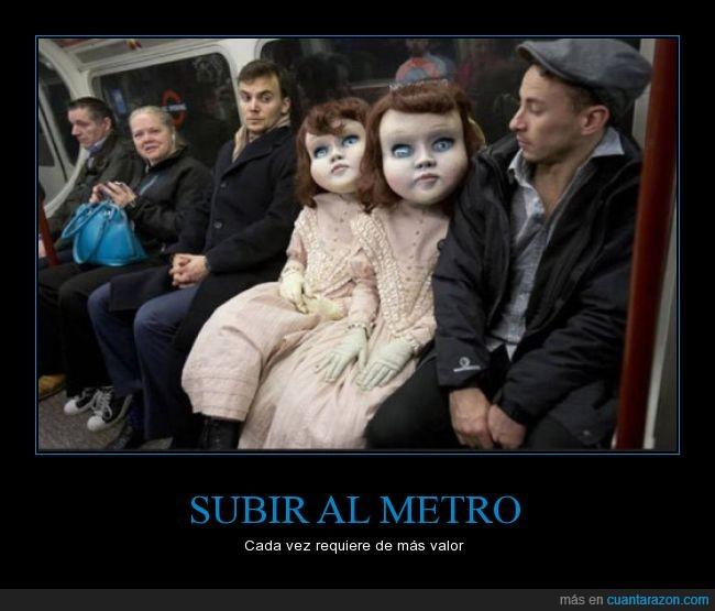 cosplay,disfraz,metro,miedo,muñecas,Subterráneo,terror