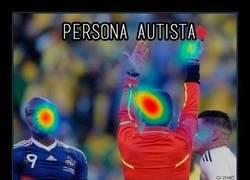 Enlace a ¿Dónde centran su atención las personas con autismo?