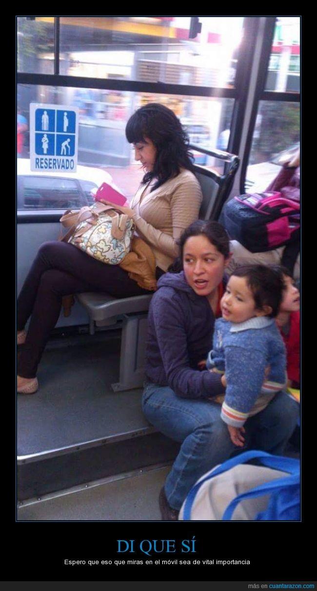asiento,bebe,bus,ceder,ego,esto no es machismo,familia,hijo,hombre,indignante,leer,madre,mujer