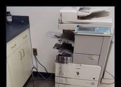 Enlace a Michael Bay aprueba este cartel y esta impresora