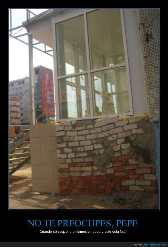 cutre,derrumbar,ladrillo,muro,obra,obrero,pared,peligro,terrible