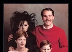 Enlace a ¿La hija pequeña es clavada a Amy Winehouse o soy yo?