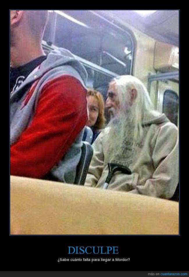 autobús,Christopher Lee,igual,igualito,mordor,Saruman,sdla
