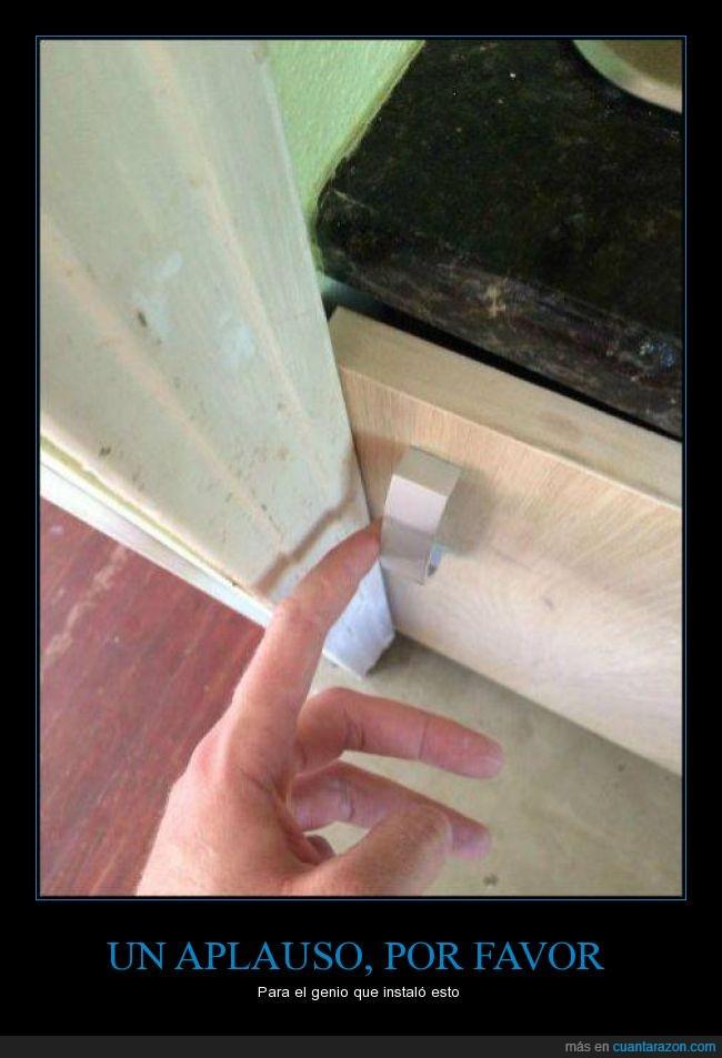abrir,armario,imposible,marco,mueble,puerta
