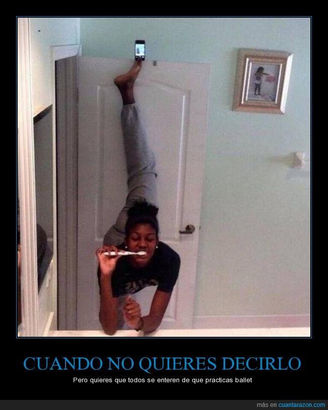 ballet,cepillar,cepillo,chica,dientes,foto,pie,pose,puerta,selfie