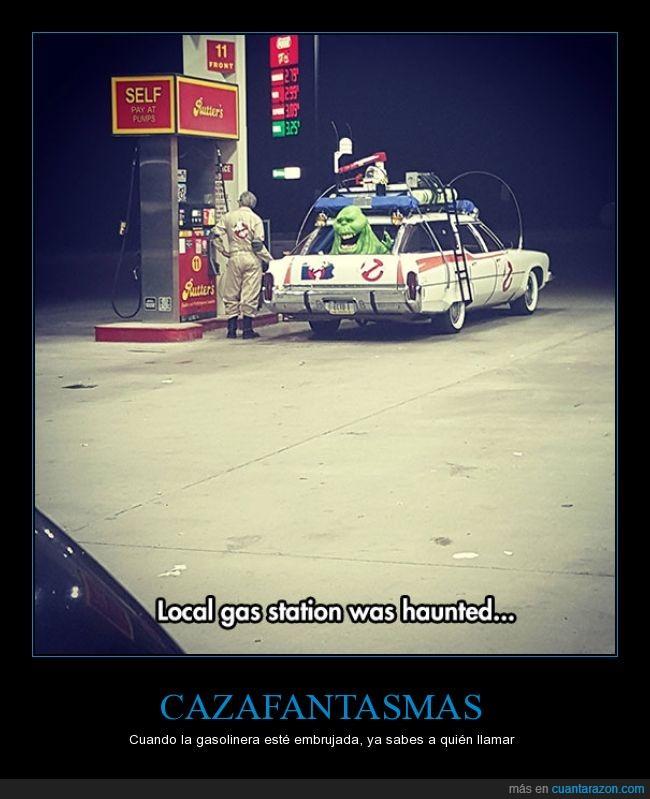 cazafantasmas,coche,cosplay,disfraz,ecto-1,embrujada,gasolinera,ghostbusters