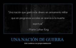 Enlace a UNA NACIÓN DE GUERRA