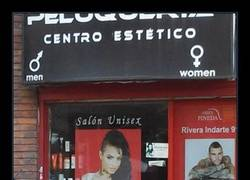 Enlace a El peinado de la chica mola, pondremos su foto para atraer a nuevos clientes...