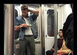 Enlace a 31 tíos buenos e intelectuales, con los que desgraciadamente nunca te has encontrado en el metro