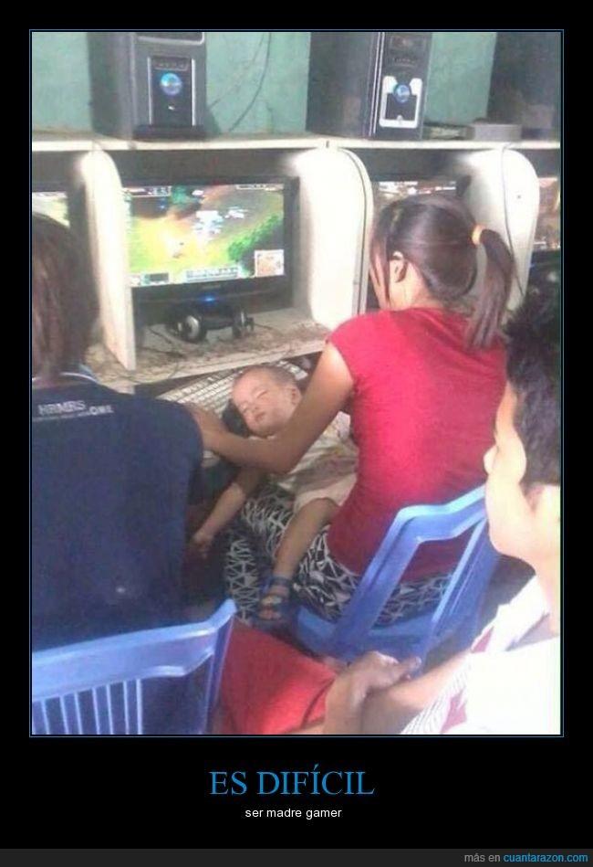 bebé,gamer,jugar,madre,videojuegos