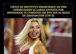 Enlace a Chico consigue salir con una cheerleader gracias a Internet