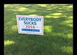 Enlace a Los carteles más desternillantes de las elecciones en USA