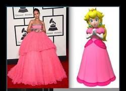 Enlace a Rihanna nos muestra con 7 vestidos que es la mayor fan de Mario Party
