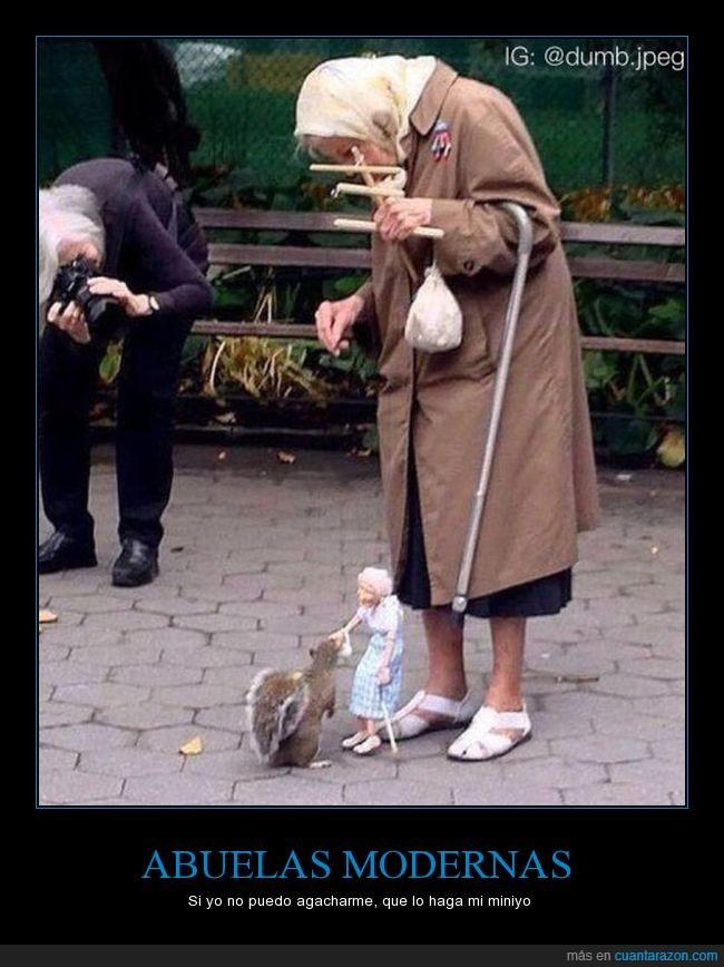 abuela,ardilla,marioneta,miniyo,muñeco